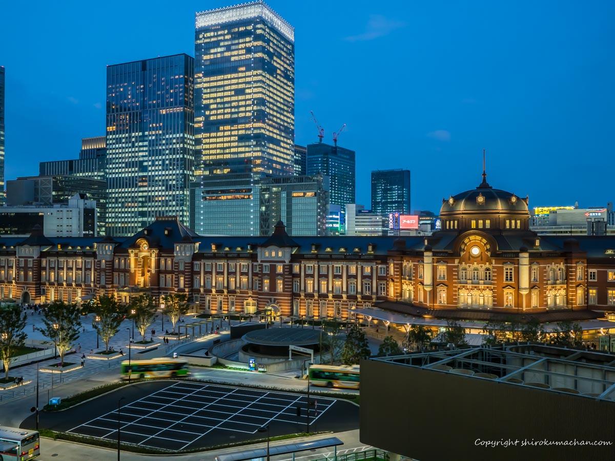 丸ビルから東京駅の夜景