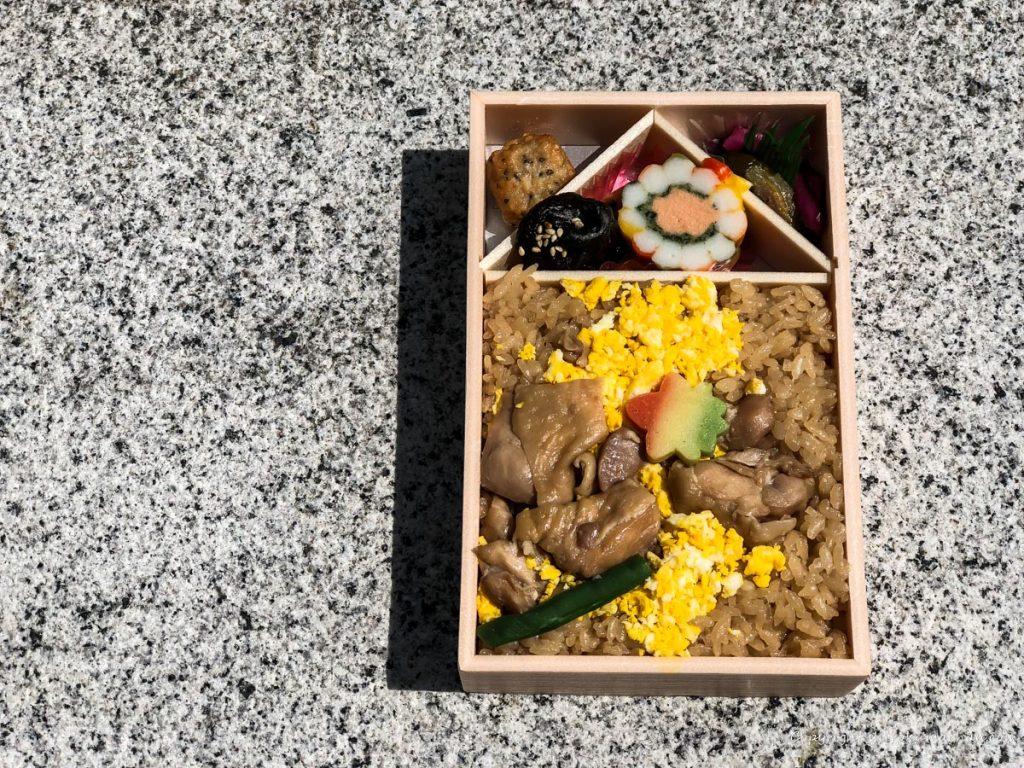 鶏めし弁当-14