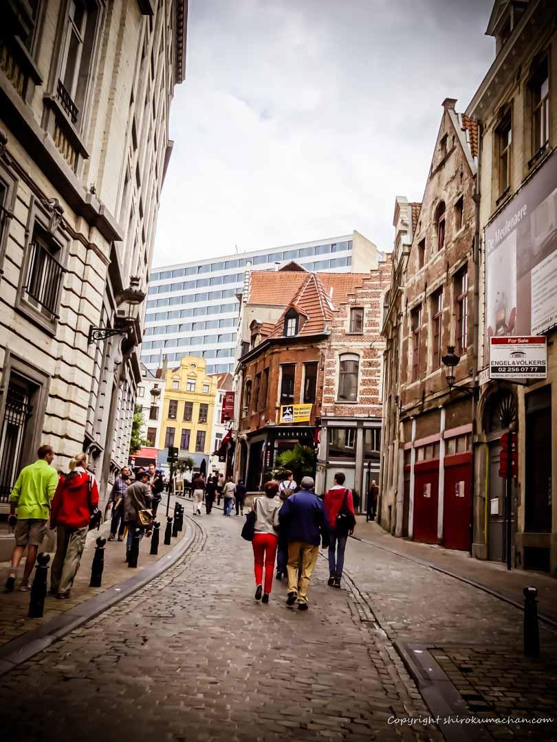 hang around in Brussels, Belgium (2)