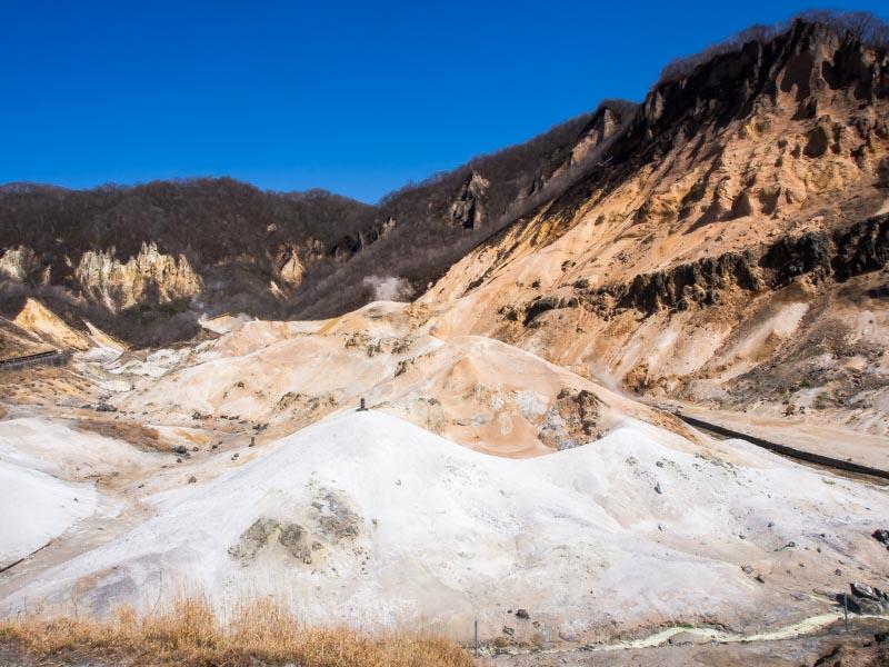 地獄谷がお風呂から見えます