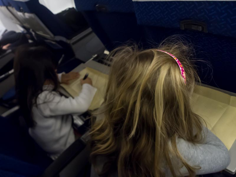 子連れ機内での過ごし方