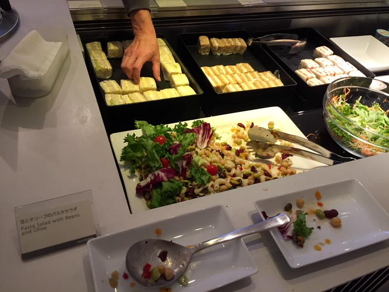 ana-business-class-lounge-narita-foods