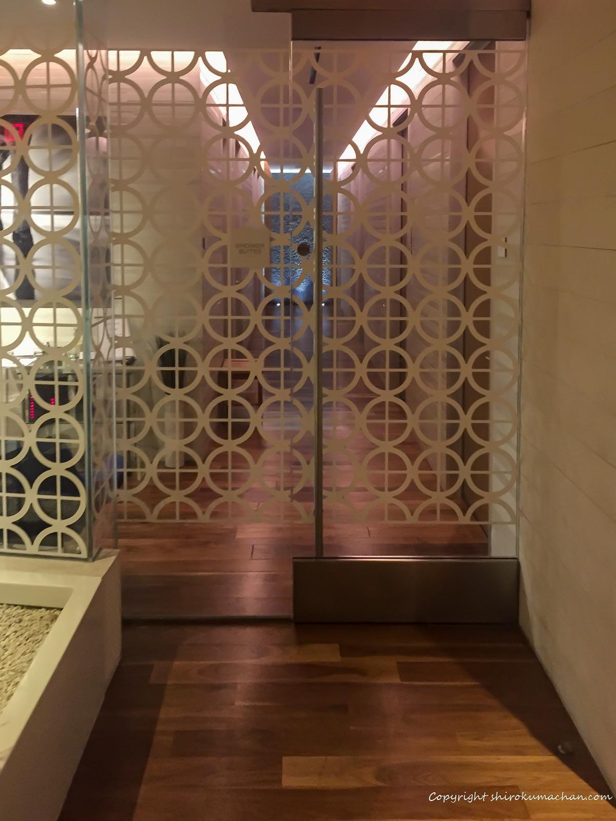 ANAビジネスクラスラウンジロサンゼルス空港のシャワールーム入り口