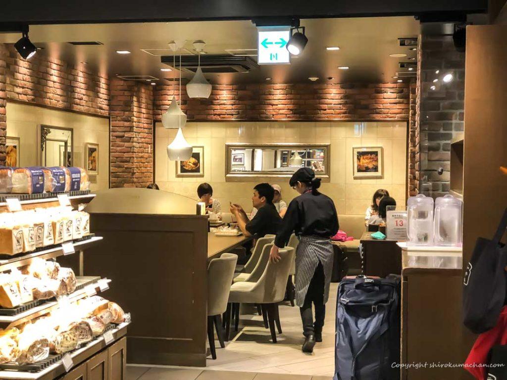 ブランジェ浅野屋 東京駅グランスタ-イートインコーナー