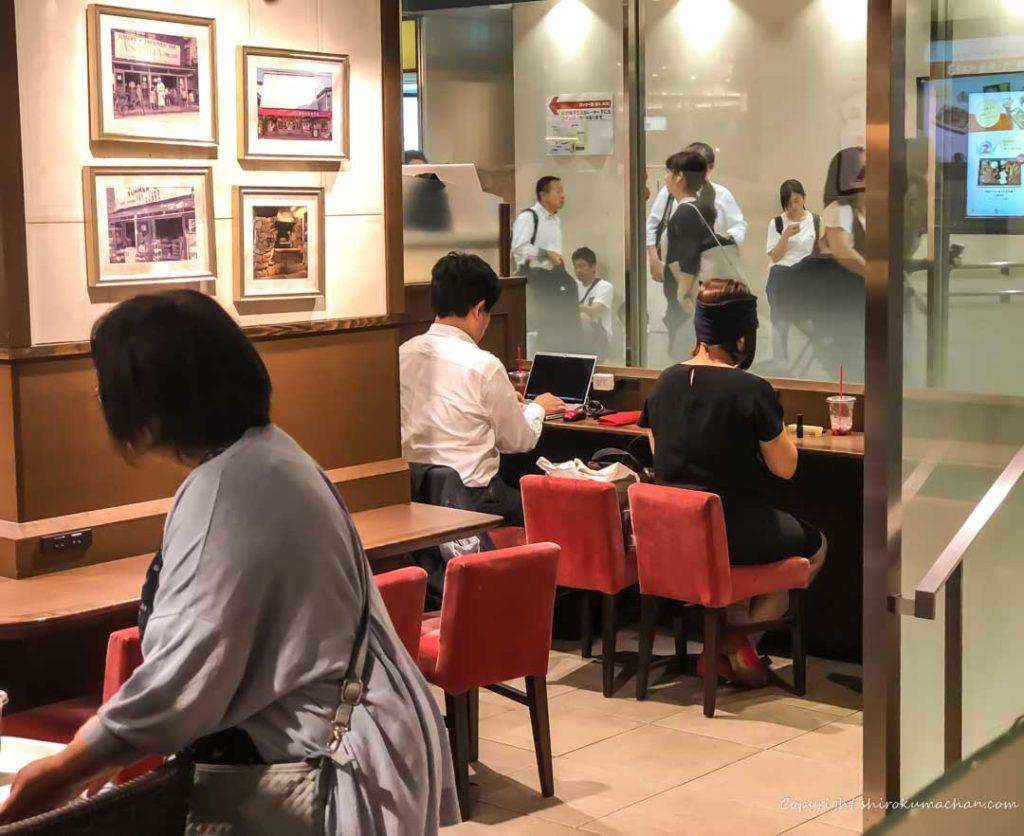 ブランジェ浅野屋 東京駅グランスタ-お客さんたち