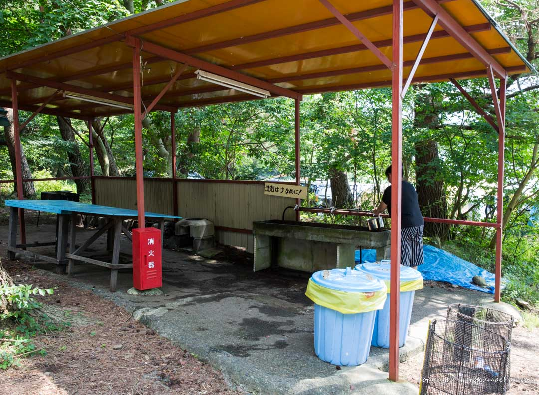 motosu-lake-side-auto camp-site kitchen