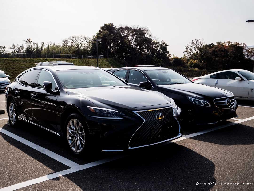 Lexus LS vs Mercedes Benz E Class-2