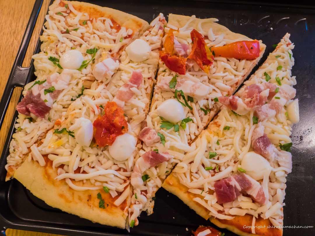 Costco Pizzas in Micro Wave