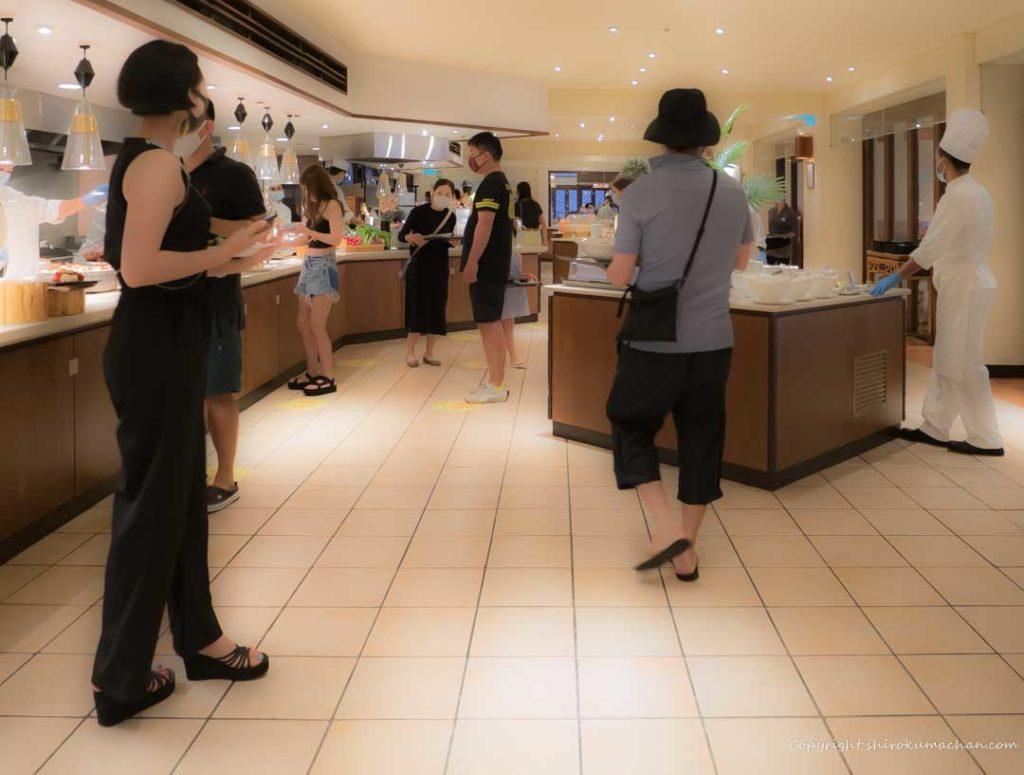 Dress Code in Club Med Ishigaki Black and Glow
