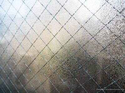 窓の結露の原因と対策
