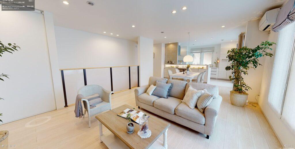 2階: ホワイトウォールナットの床/建具、ホワイトの住設
